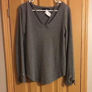 🚨 NWT Derek ❤️ Heart Sweater